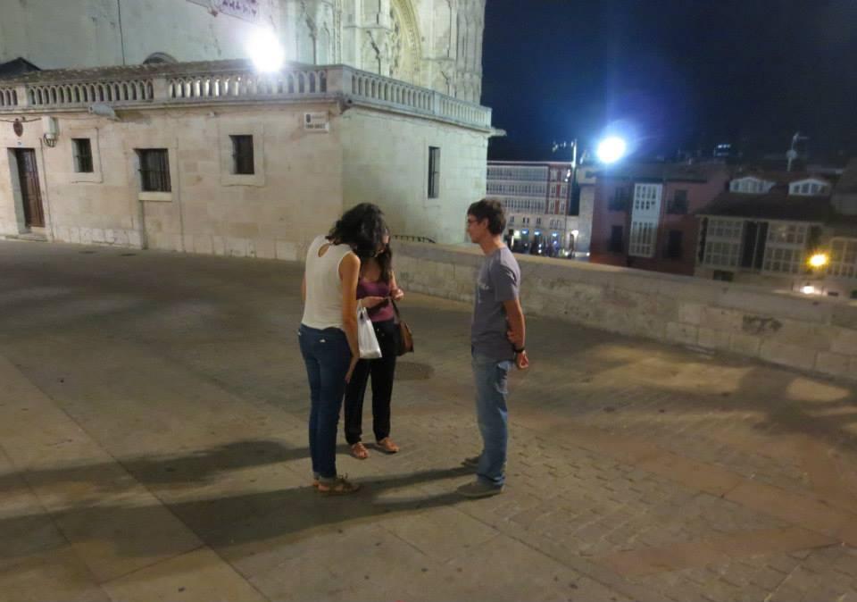 Los jóvenes salen a las calles de ambiente para hablar de Jesús a otros jóvenes.