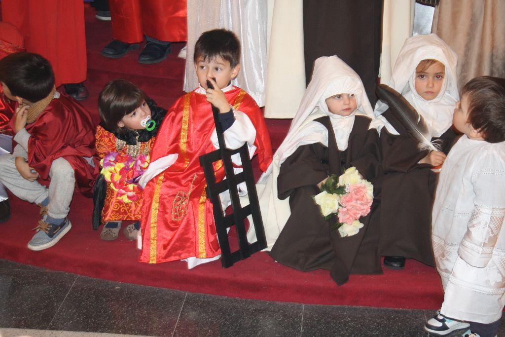 Fotografía de una fiesta de Holy Wins celebrada en el Seminario de San José.