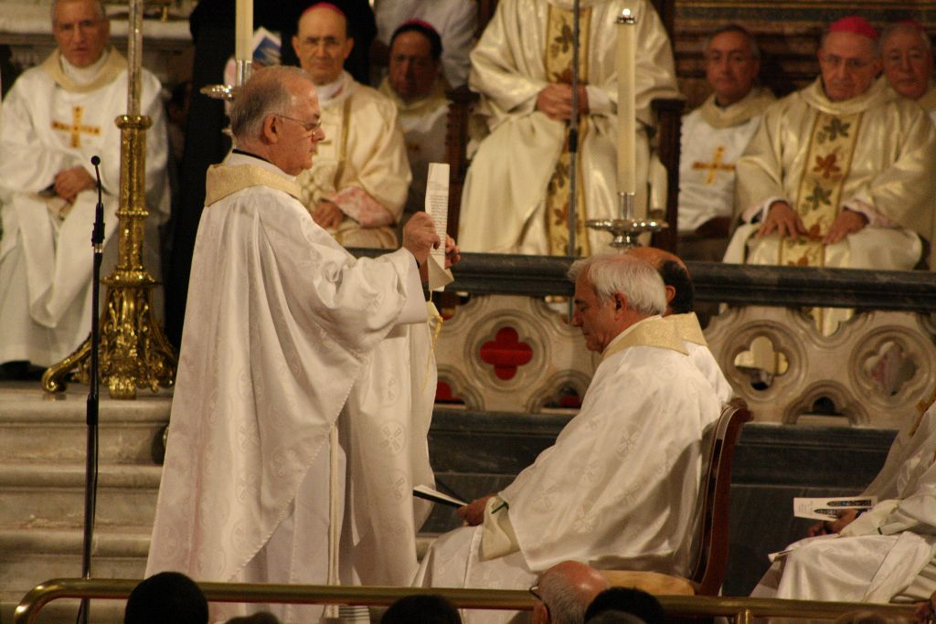 El canciller será el encargado de mostrar al colegio de consultores las «letras apostólicas» con el nombramiento del nuevo arzobispo.