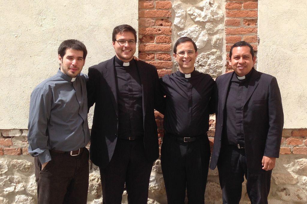 Luis, Juan Antonio y Eduardo serán ordenados presbíteros. Osvaldo será diácono.