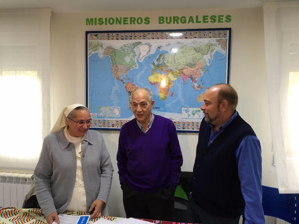 José Manuel Madruga, en el centro, durante la rueda de prensa del día del Domund de 2016.