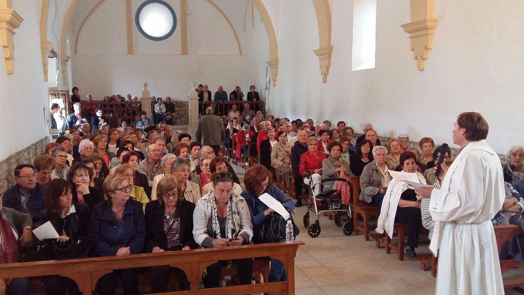 Los participantes rezaron el Rosario a la Virgen de las Quintanillas.