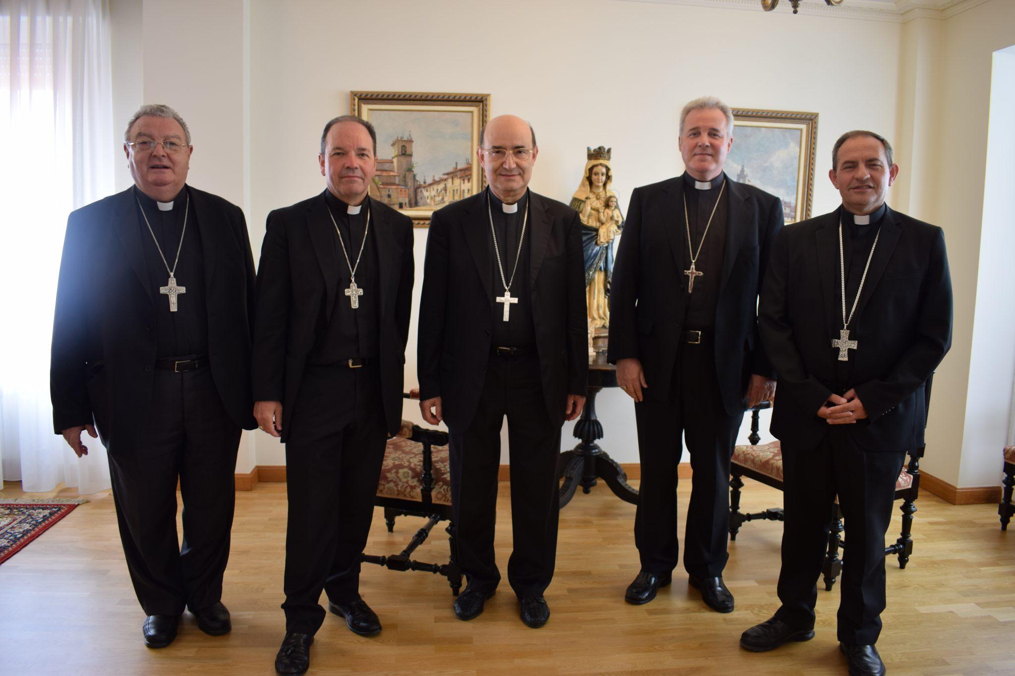 Instantánea de los obispos de la provincia eclesiástica de Burgos hoy en Vitoria.