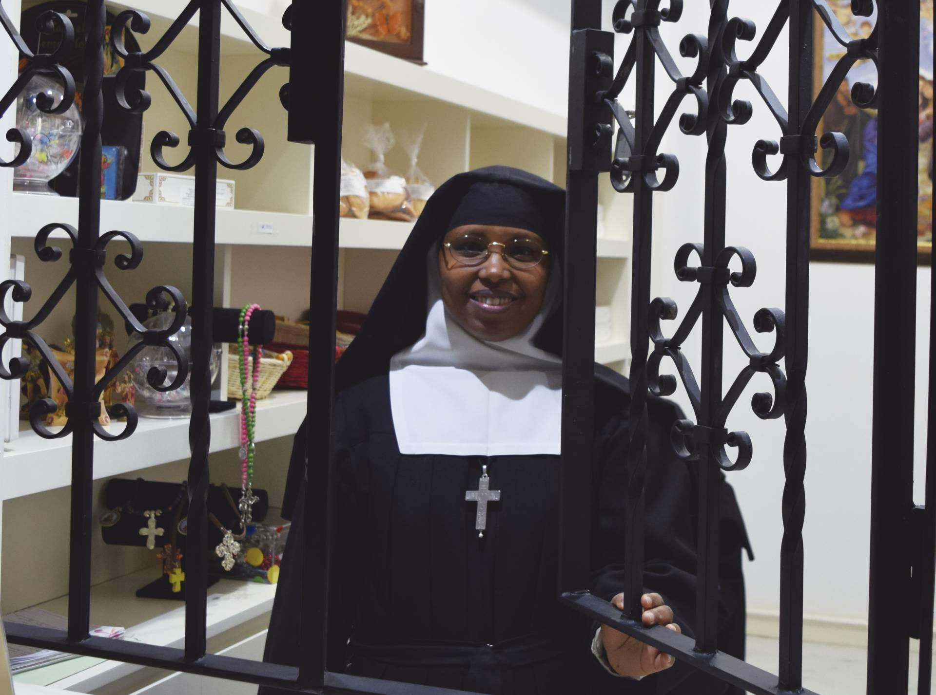 María Micaela es religiosa Salesa.