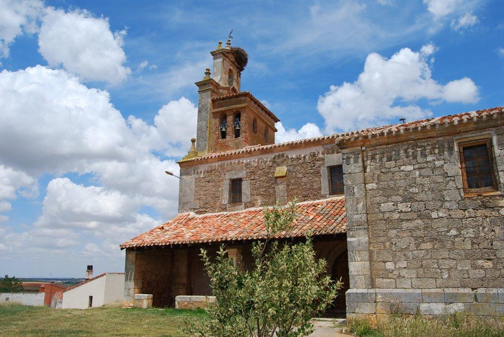 Iglesia de Torrecilla del Monte. Foto de mapio.net.