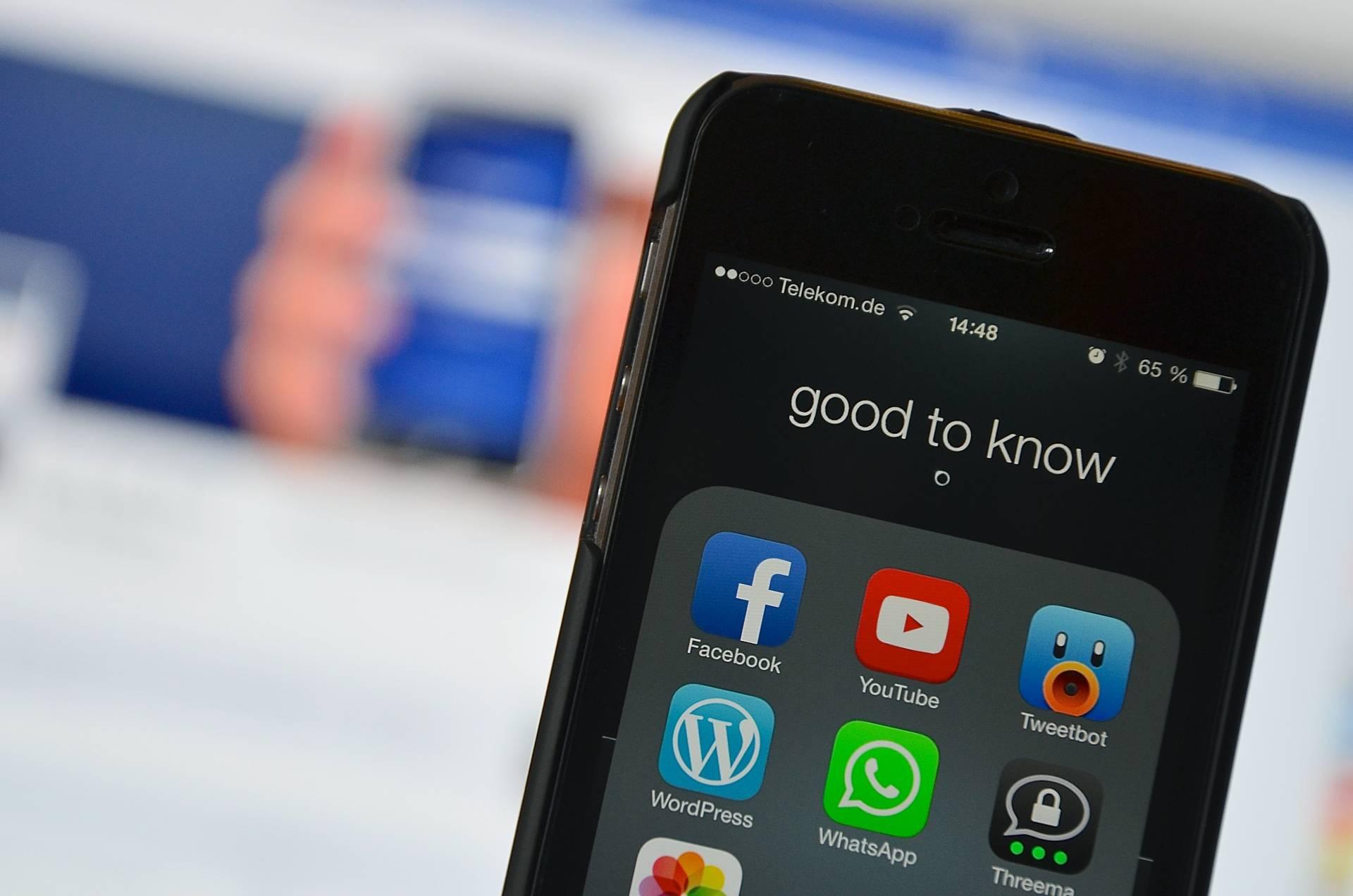Desde hace algunos años, varias parroquias de la diócesis comunican con sus fieles a través de las redes sociales.