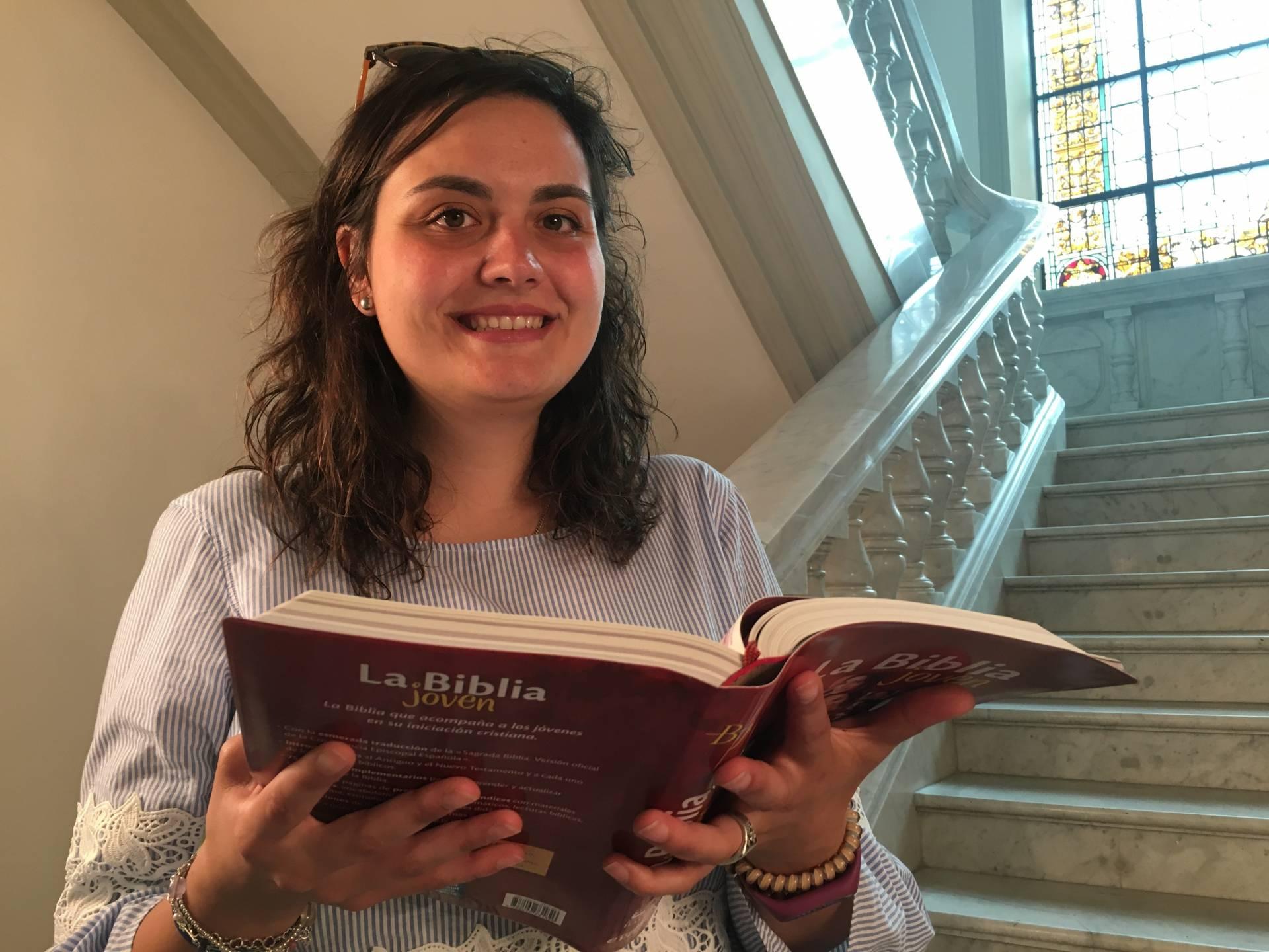 Cristina es una de las alumnas del Instituto de Ciencias Religiosas «San Jerónimo».