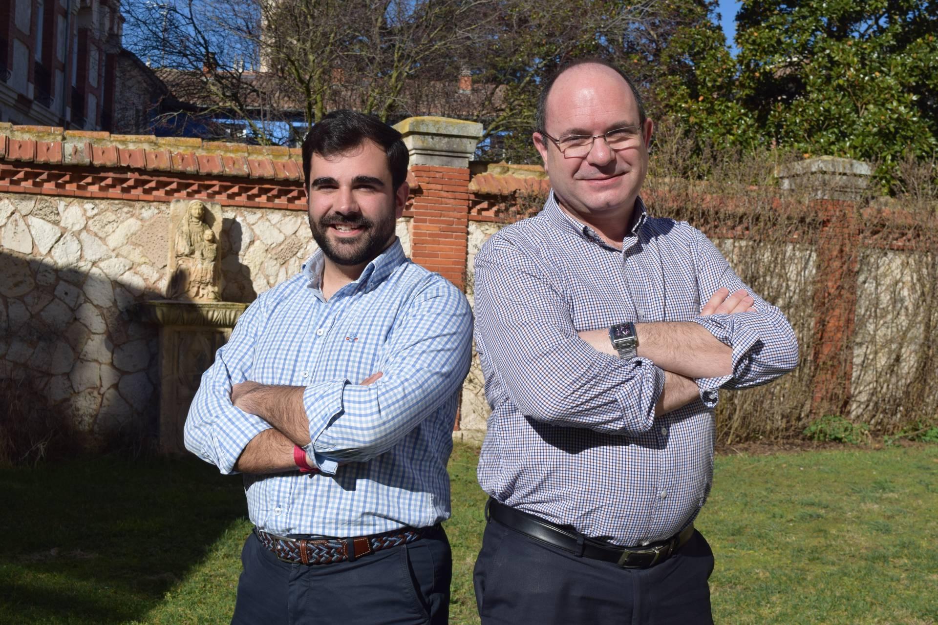Álvaro (a la izquierda) decidió seguir las huellas de Marcos, su amigo sacerdote.