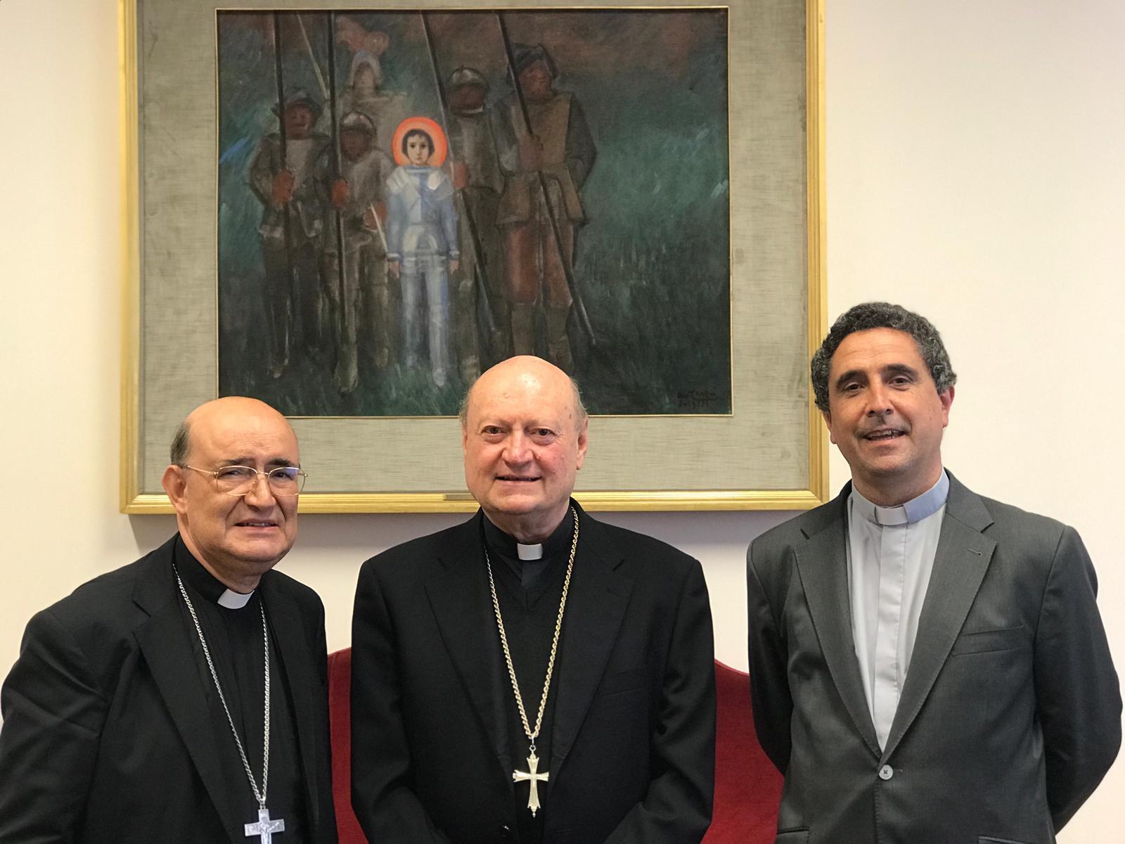 El cardenal junto al arzobispo y al vicario general el pasado mes de junio.