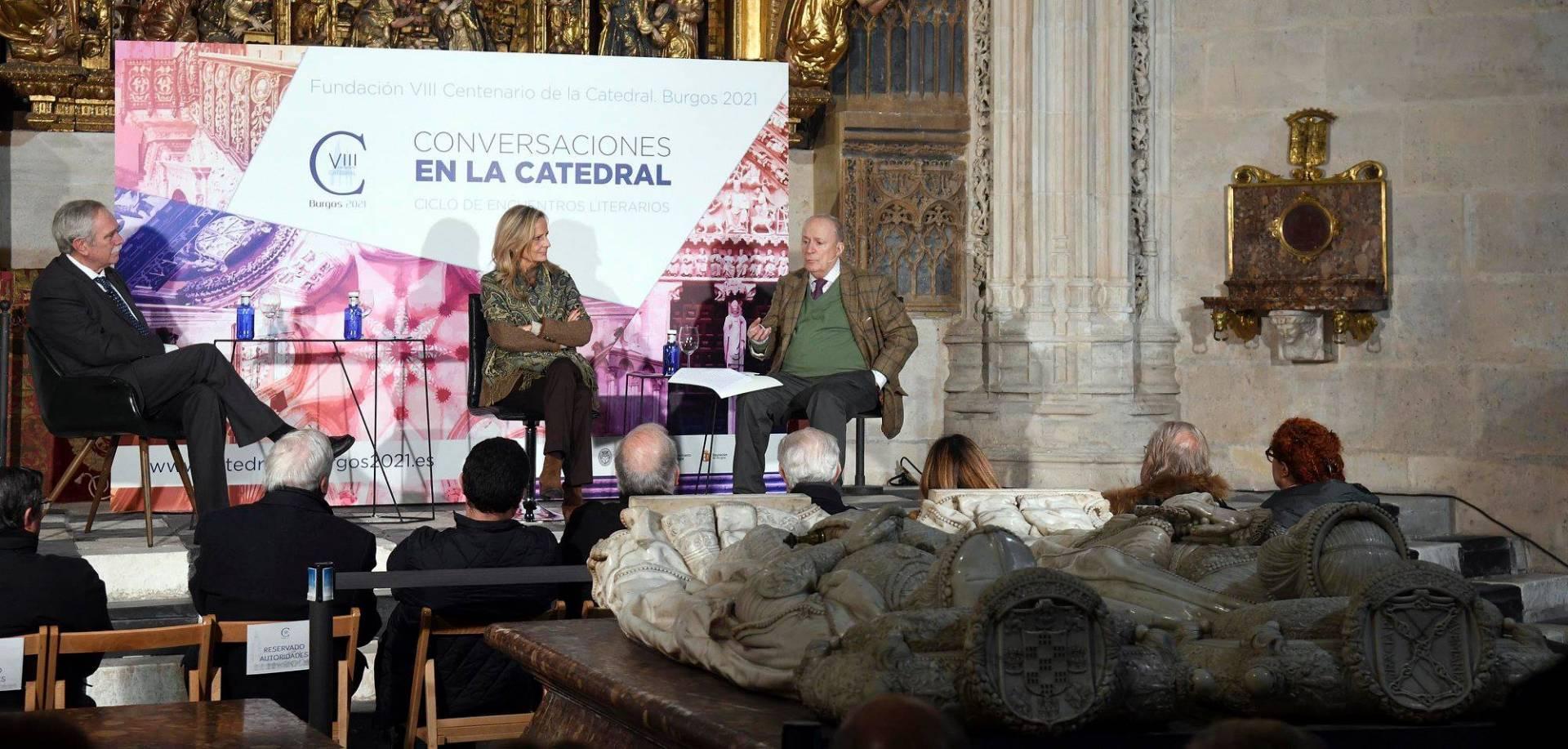 Imagen del primer encuentro del ciclo «Conversaciones en la catedral».