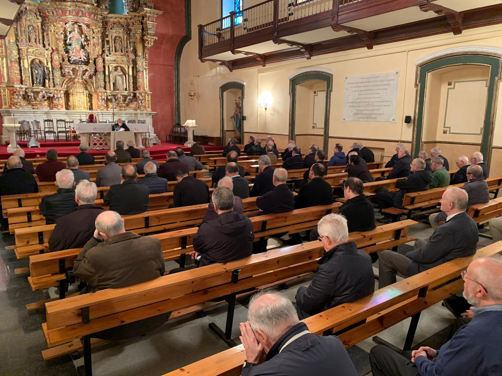 El retiro tuvo lugar en el Seminario de San José.